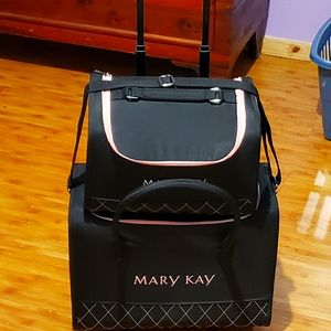 Vintage Mary Kay Luggage set